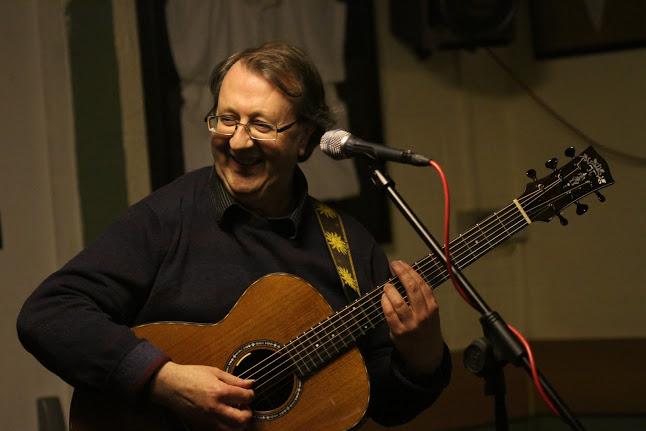 Steve play smile Bingham